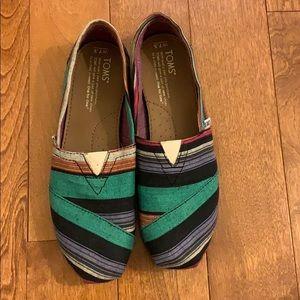 Multicolored Toms